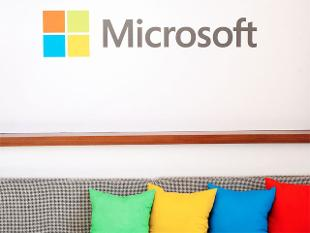 Microsoft moves its tanks closer to the front in the service management wars